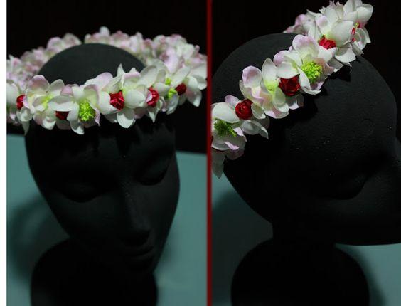 TallerdeLuna: Corona de pétalos de tela::Rosa con capullitos en ...