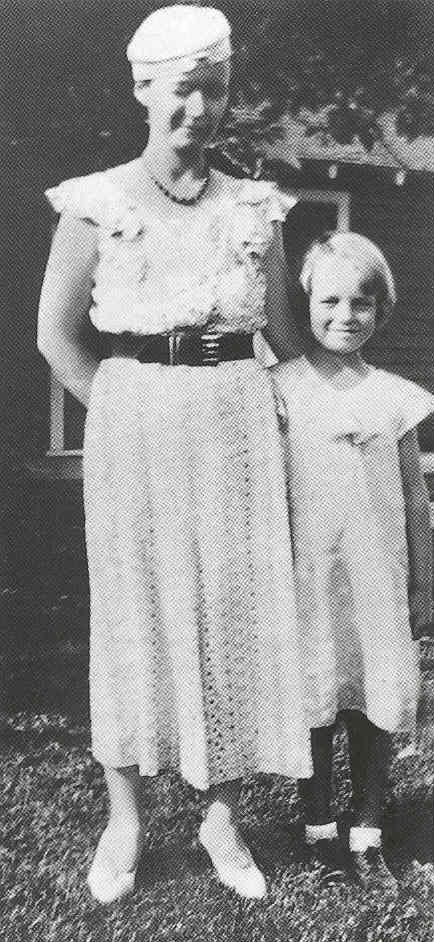 Norma Jeane (Marilyn Monroe) with her mother at their home ...
