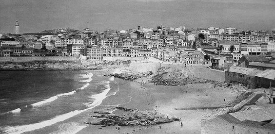 Playa Orzán, 1965. A Coruña. Galicia. Spain.