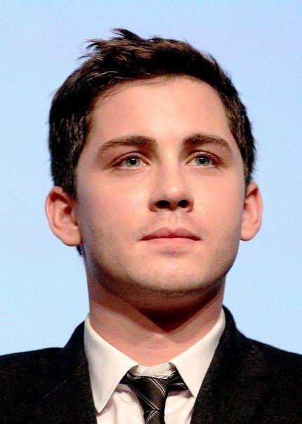 General picture of Logan Lerman - Photo 2 of 3601