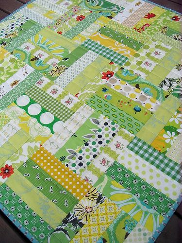 Red Pepper Quilts: Spring Quilt.  (Might be fun for scraps.  4 strips 2 inches wide x 6.5 long.  End up with 6 inch block.:
