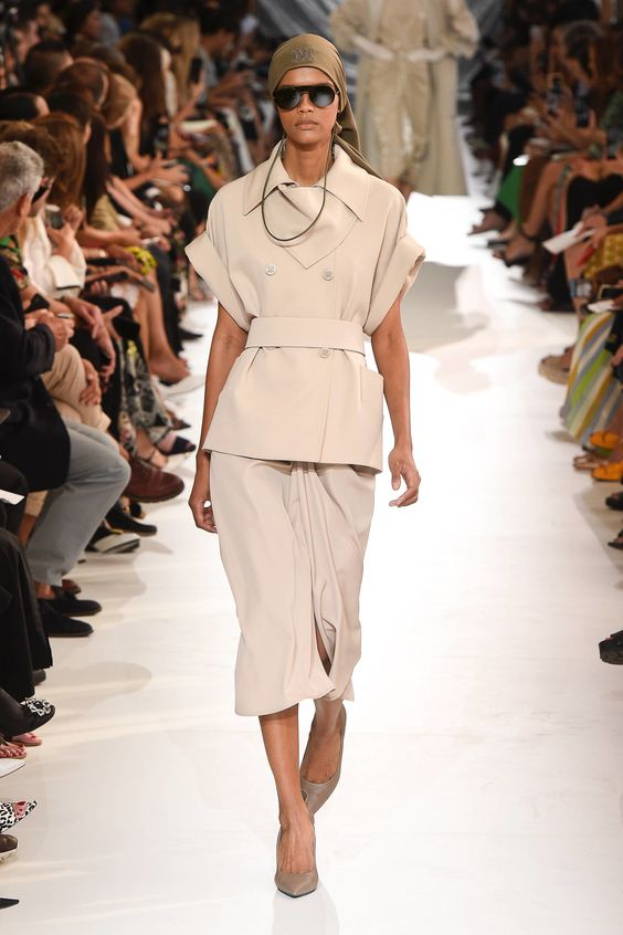 Max Mara Spring 2019 Ready-to-Wear Fashion Show Collection