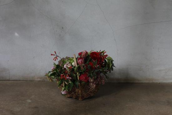 basket : seasonal【M】 - THE LITTLE SHOP OF FLOWERS