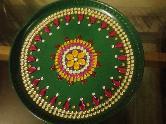 Green decorated thali indian festival decor pinterest for Aarathi plates decoration