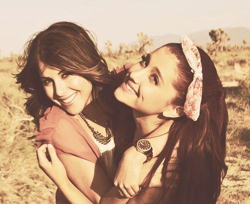 Pin De Yio En Ariana Grande: Ariana Grande, Monet And Daniella Monet On Pinterest