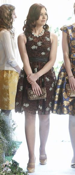 AnnaBeth's brown floral dress, gold polka dot clutch and nude mary janes on Hart of Dixie.  Outfit Details: http://wornontv.net/12413/ #HartofDixie