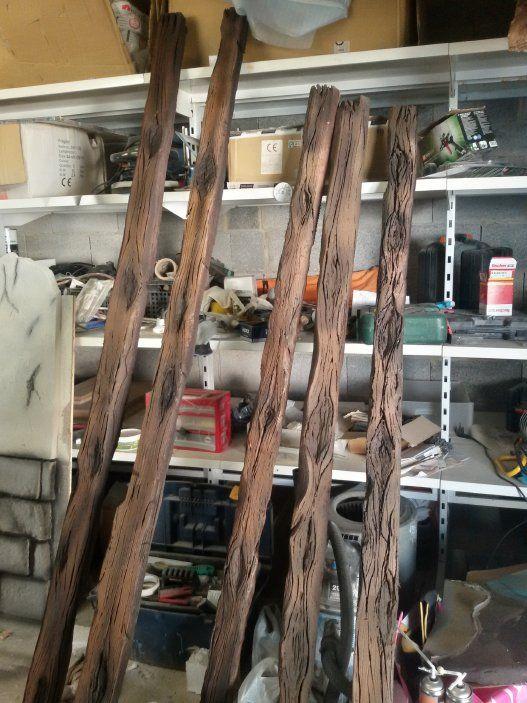 Vigas talladas en poliespan de varios estilos desde madera vieja estropeada a vigas antiguas - Vigas de madera malaga ...