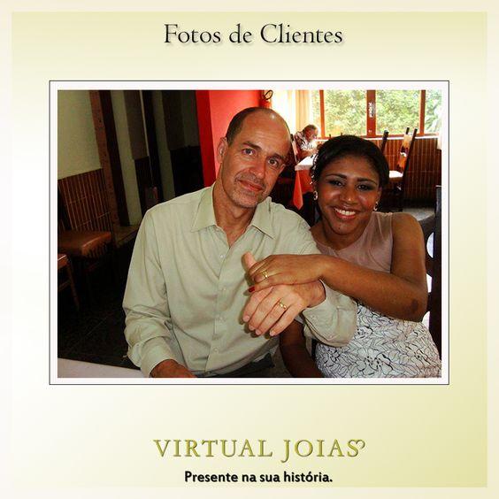 Nosso cliente Ronaldo Joaquim e sua amada com alianças da Virtual Joias. #clientesvirtualjoias #vj3671
