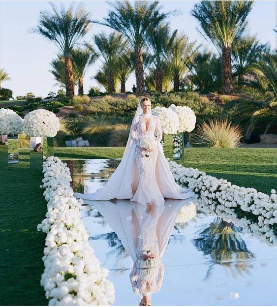 Omg wow!! A dream wedding dress