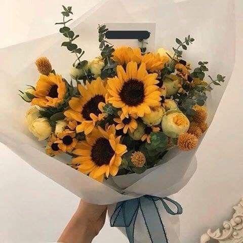 Pin By Marina Castellanos On Marte In 2020 Birthday Flowers Bouquet Flowers Bouquet Gift Flower Aesthetic