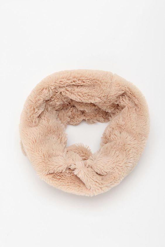 plush neck warmer. this looks so cozy. $29