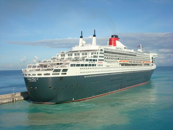 Queen Mary 2, docking in Barbados