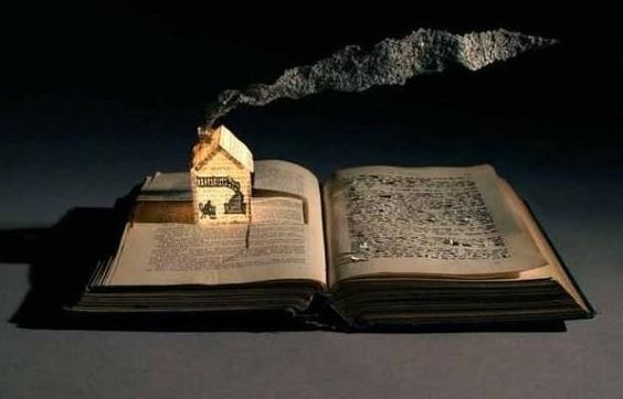On ne se Connait pas dans les Livres .. On est le Livre ..