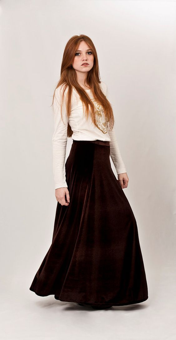How to wear a velvet maxi skirt – Modern skirts blog for you