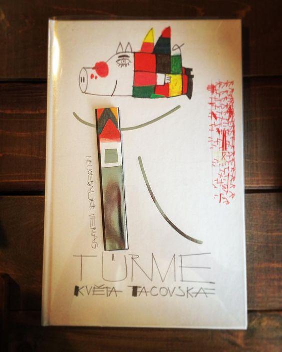 本日は、少し早めにクローズします。暑い中、ご来店ありがとうございました。 「TRUME」(表記できませんが塔という意味のドイツ語)クヴィスタ・パツォスカー /作 *オーストリア・ドイツ語 次の写真で中身を少しだけ…。 ページをひらくとその世界に釘付けになる一冊です。  次の営業日は12日(金)です。どうぞよろしくお願いします。  #ふるえほん #絵本 #ポップアップ #しかけ絵本