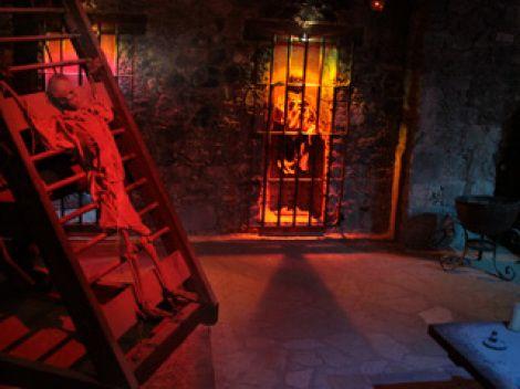Instrumentos  de tortura reales 3a1707d674dd7aad73a5b8636800188b
