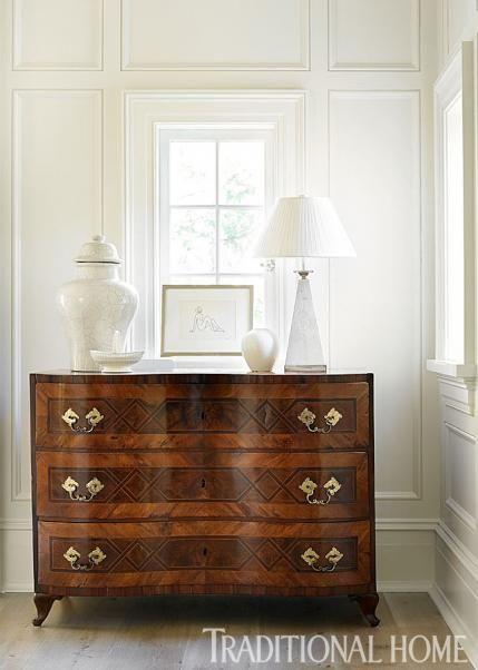 Vintage drawer chest