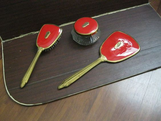 VINTAGE VANITY DRESSING TABLE HAIR BRUSH, HAND MIRROR & TRINKET BOX SET RED