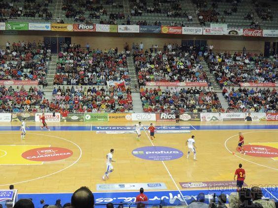 Palacio de los Deportes. @SeFutbol España-Grecia. Homenaje a Kike Boned. Ginés Rubio @grl48