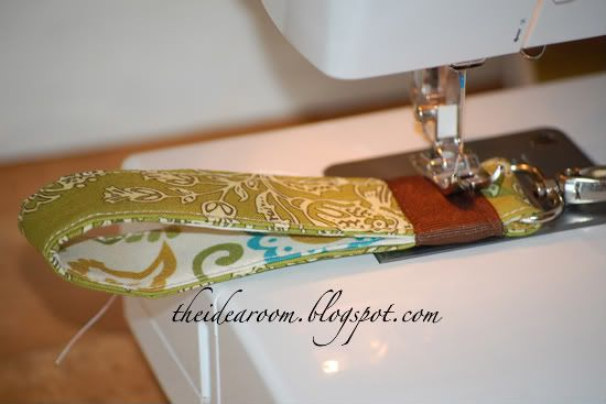 Sewing Tutorials | How to make a wrist key chain