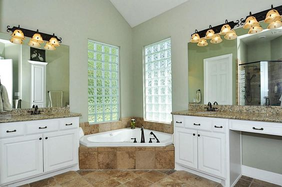 Wonderful Master Bath W Jacuzzi Tub And His And Hers Sinks