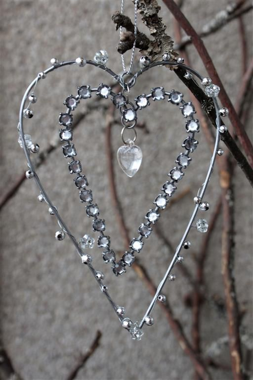 Glistening hearts