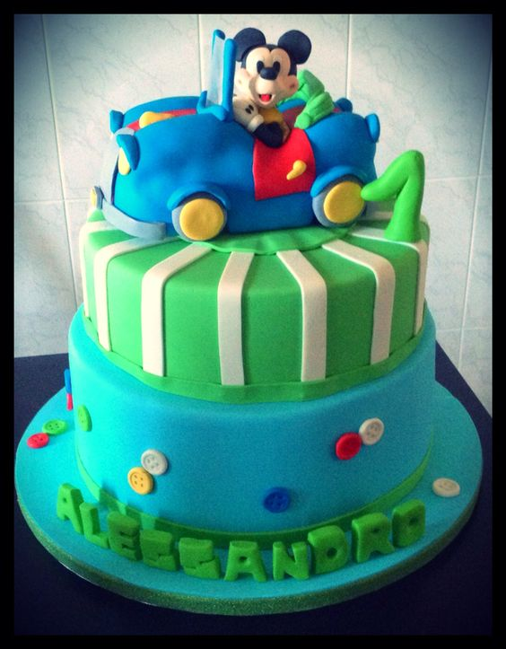 Mickey mouse car cake