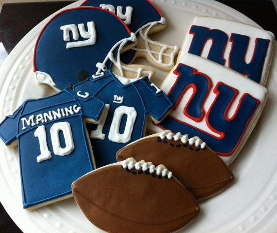 New York Giants Football Decorated Cookies by peapodscookies