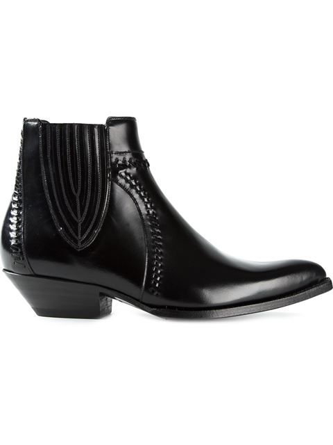 Einkaufen Saint Laurent 'Santiag' Cowboystiefel in Apropos The Concept Store from the world's best independent boutiques at farfetch.com. Over 1000 designers from 300 boutiques in one website.