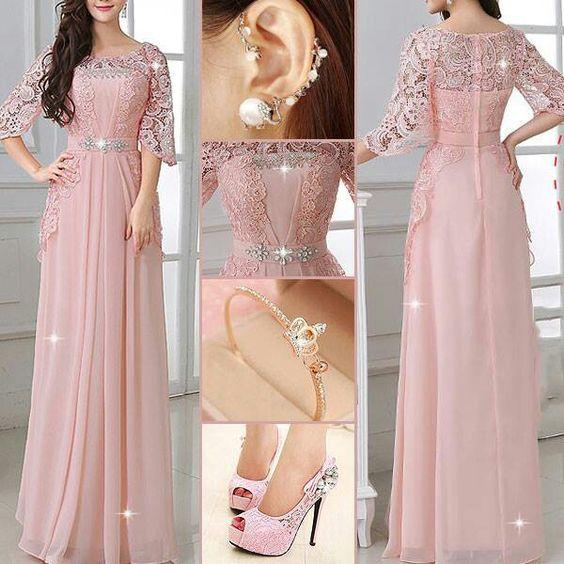 Vestido con encaje rosa viejo
