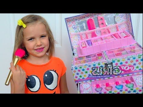 Funny Videos With Toys And Makeup From Katy For Kids Youtube Funny Gif Dancing Baby Funny Babies Dancing