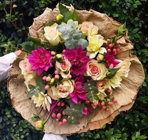 Get well bouquet #florosaria #flowersbyflorosaria #flowerbouquet #flowerinspiration #roses #pretty #love #sydneyflorist #sydneyflowers #rusticflowers #freshflowers #happydays #easter #madewithlove