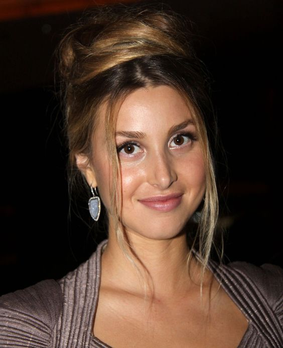 Be fresh faced like Whitney Port!!  1)Botanical Buffing Beads by Peter Thomas Roth, rub gently onto skin to exfoliate  2)Fresh Face Glow by Fresh HighNoon mixed with favorite moisturizer   3) Apply Lash Blast Mascara  4)Apply Rosebud Salve generously to lips  5)Your choice of Maybelline Shadow stylist eye.  --keep in mind Whitney sticks to neutral browns, tans and coffee colors.   Now you have that natural glowing skin!!