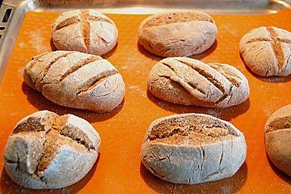Graham - Weckerl, ein raffiniertes Rezept aus der Kategorie Brot und Brötchen. Bewertungen: 8. Durchschnitt: Ø 4,0.