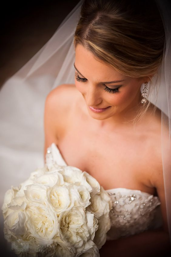 Simple yet beautiful wedding makeup! See more here: http://hintofshimmer.com/galleries/bridals-and-wedding-day: