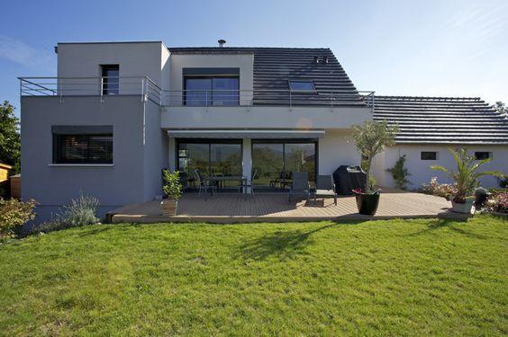 Une #maison à l'architecture contemporaine, spacieuse et chaleureuse. #Alsace