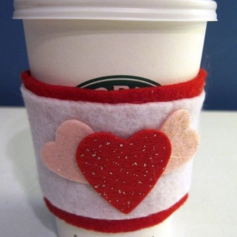 Share your love of coffee with these DIY Heart Felt Coffee Sleeves  Link In Profile . . . . . #blissfullydomestic #homedecor #home #mommyblogger #momlife #family #interiordesign #homelife #valentines #valentinescrafts #diy #kidscrafts #coffee
