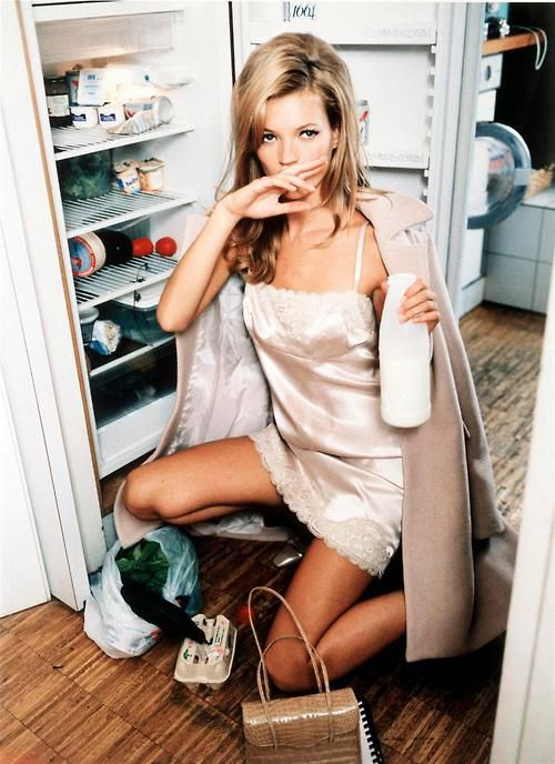 #katemoss #ellenvonunwerth #potrait    Kate by Ellen Von Unwerth
