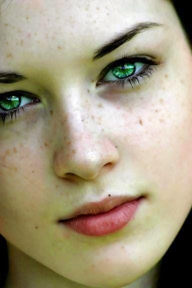 ❝ Quem me imagina  e tira suas próprias conclusões, não merece me conhecer. ❞  laura méllo : Eu não sei se você sabe,mas a cor verde além de si...