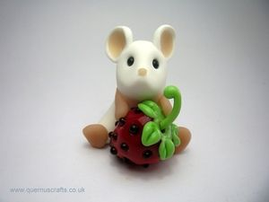 Polymer Clay Mouse with Glass Strawberry by Quernus Crafts #yorkshiremade #handmade