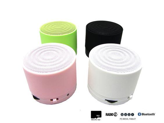 Altavoz Portátil Mini Inalambrico Con Bluetooth, Radio, MicroSD, USB y Con Batería Recargable  - https://complementoideal.com/producto/audios/altavoz-mini-con-bluetooth-radio-microsd-9132/  - Altavoz Mini Con Bluetooth con Radio y MicroSD   Además con el Altavoz Mini Con Bluetooth podrás disfrutar de todas las emisoras de la Radio FM para que no te pierdas tus programas favoritos. El Altavoz Mini Con Bluetooth es compatible con tarjetas SD, MicroSD , reproduce