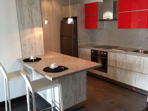 Formica en estructura de cocina y duragloss rojo burdeos for Muebles de formica para cocina