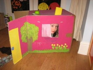 17 fantastic ideas to re-use a cardboard box: house, aeroplane, boat and lots more