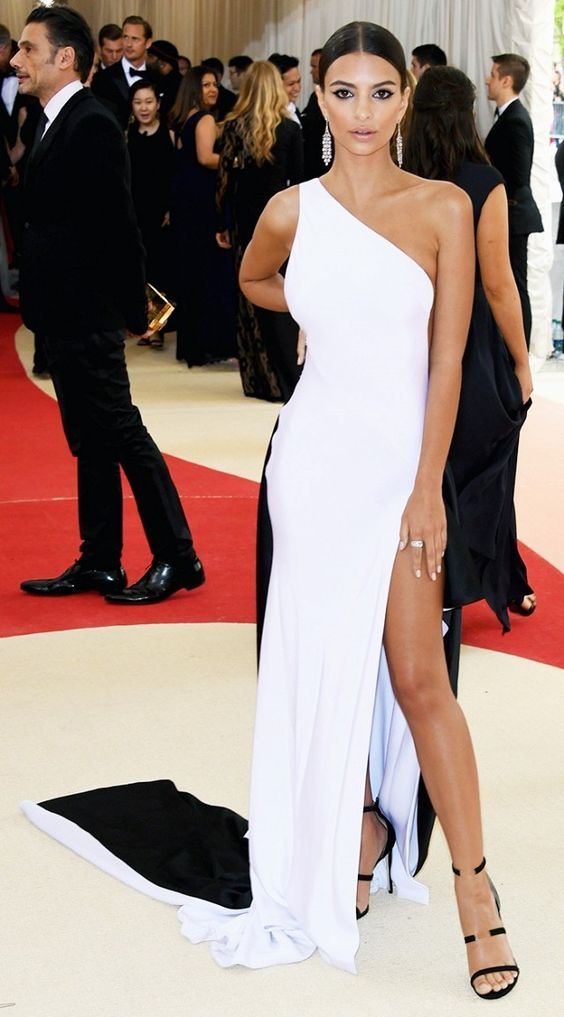 Emily Ratajkowski in a Prabal Gurung gown at the 2016 Met Gala: