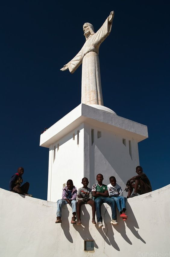 *R - Religion, S - Statues - Cristo Rei, Angola