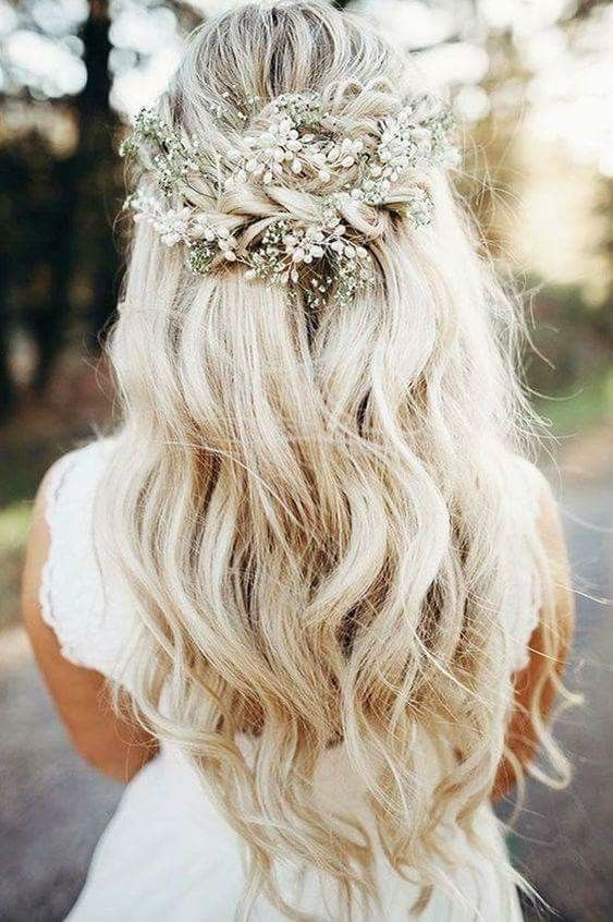 Beautiful Hair Pinned With Floral Inspired Decorations Blonde Long Wavy Wedding Hair Down Wedding Hair Flowers Long Hair Wedding Styles