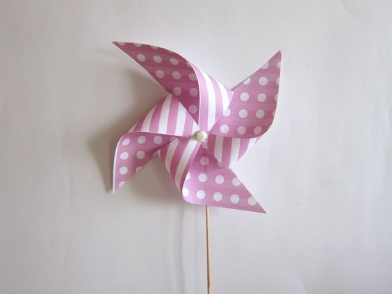 Molinillo de papel rosa