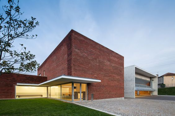 ShowCase: Santo Tirso Fire Station by Álvaro Siza Vieira (Photo: Joao Morgado – Architecture Photography) | Archinect