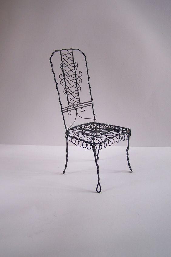 Petite chaise en fil de fer vintage objet décoratif de vitrine chaise en fil de…