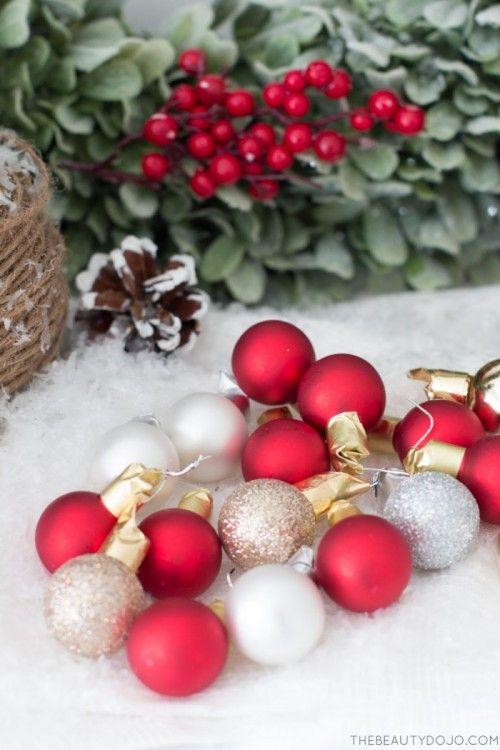 DIY vánoční věnec s Holly a malý ozdoby